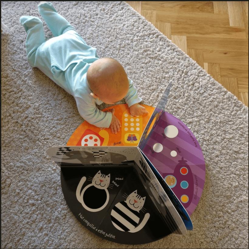 juego para bebé de 2 meses