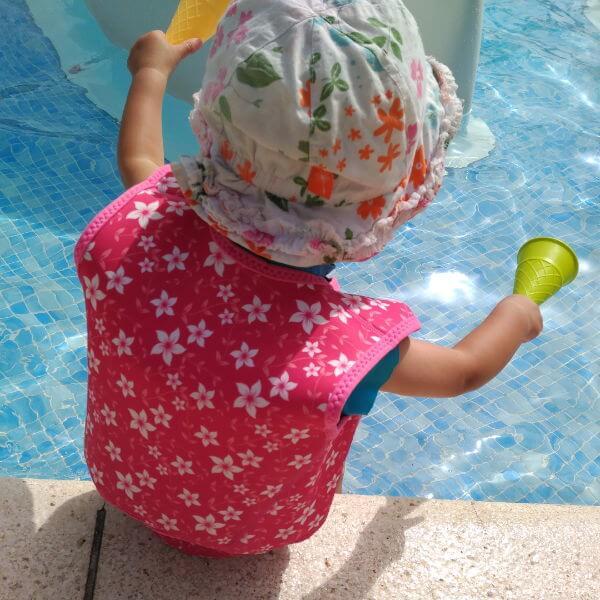 Ir a la piscina con el bebé o a la playa: Qué necesitas
